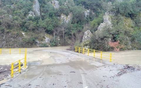 Φθιώτιδα: Πλημμύρισε και πάλι ο Σπερχειός