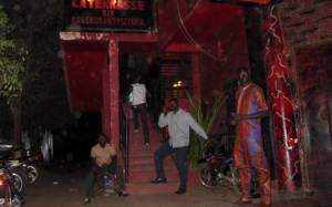 Μάλι: Τρεις Ευρωπαίοι νεκροί από επίθεση σε εστιατόριο (videos)