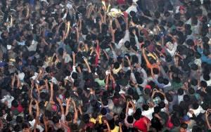 Ινδία: Η απαγωγή και το λιντσάρισμα υπόπτου για βιασμό (video)