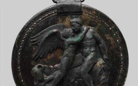 Ο καθρέφτης του Έρωτα βρέθηκε στη Βεργίνα