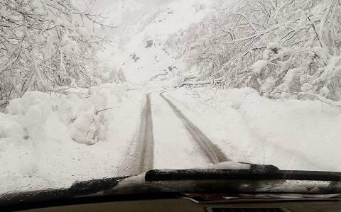 Αποκλεισμένα από τα χιόνια και χωρίς ρεύμα ορεινά χωριά της Ξάνθης
