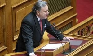 Βουλή: Τις επόμενες ημέρες τα ν/σ για επαναπρόσληψη απολυμένων και κάρτα πολίτη