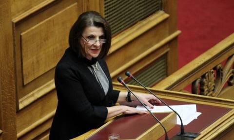 Κανελλοπούλου: Χρυσαυγίτης απείλησε να μου κόψει το λαιμό στη Βουλή