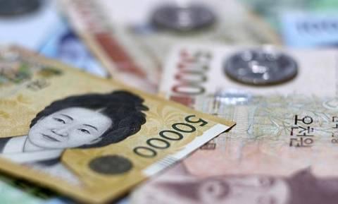 Η Νότια Κορέα προχώρησε σε αιφνιδιαστική μείωση των επιτοκίων