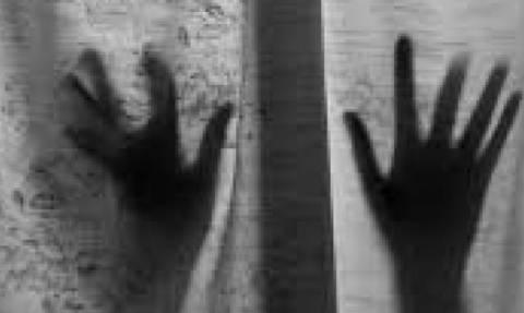 Σε διαθεσιμότητα ο καθηγητής που παρενοχλούσε 13χρονη