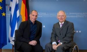 Γερμανικό ΥΠΟΙΚ: Οι σχέσεις Σόιμπλε - Βαρουφάκη είναι καλύτερες από όσο νομίζετε