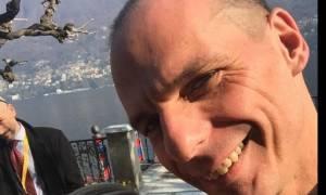 Η selfie του Γιάννη Βαρουφάκη στη λίμνη Κόμο!