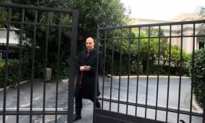 Βαρουφάκης: Η κυβέρνηση μπορεί να «παγώσει» κάποιες προεκλογικές εξαγγελίες (video)