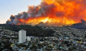 Μεγάλη πυρκαγιά σαρώνει τη Χιλή – 16.000 κάτοικοι εγκαταλείπουν τα σπίτια τους (pics)