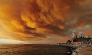 Χιλή: Μαίνεται και απειλεί η μεγάλη πυρκαγιά