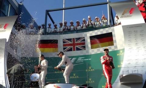 F1 Αυστραλία: Ο Hamilton κερδίζει και στις δύο πλευρές του κόσμου