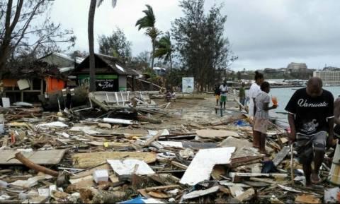 Εικόνες βιβλικής καταστροφής στο Βανουάτου (photos)