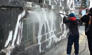 Πολυτεχνείο: Άρχισε ο καθαρισμός του κτηρίου (video+photos)