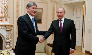Ο Πούτιν επανεμφανίστηκε εν μέσω της φημολογίας για την υγεία του