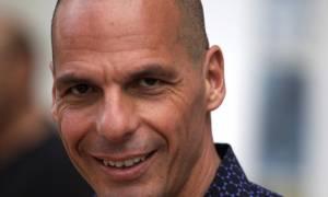 SZ: «Άπειρος πολιτικός και ανούσια φλύαρος ο Βαρουφάκης»