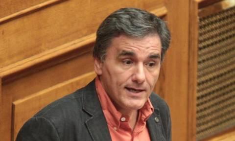 Τσακαλώτος: Η κυβέρνηση ξέρει πώς να βγάλει τη χώρα από την κρίση