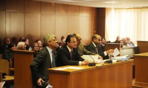 «Καταπέλτης» η εισαγγελέας για τον Παπακωνσταντίνου