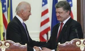 Οι κυρώσεις στη Ρωσία στο επίκεντρο τηλεφωνικής επικοινωνίας Μπάιντεν – Ποροσένκο