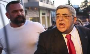 Χρυσή Αυγή: Αποφυλακίστηκαν Μιχαλολιάκος και Λαγός