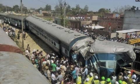 Ινδία: Δεκάδες νεκροί από εκτροχιασμό τρένου (video)