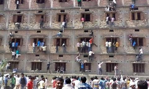 Ινδία: Το σκονάκι όπως δεν το έχετε φανταστεί ποτέ (video & pics)