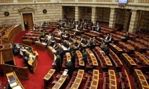Υπερψηφίστηκε το νομοσχέδιο για τις 100 δόσεις