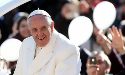 Πάπας Φραγκίσκος: Όποιος επιλέγει την οδό του κακού κλέβει την ελευθερία μας