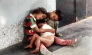 Ινδία: Eγκατέλειψε τα παιδιά του, σώθηκαν με κινητοποίηση στο twitter (video)