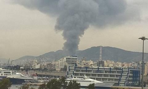 Φωτιά σε πλοίο στην επισκευαστική ζώνη του Κερατσινίου