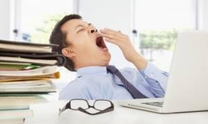 Ο υπολογιστής και το κινητό «κλέβουν» ώρες από τον ύπνο
