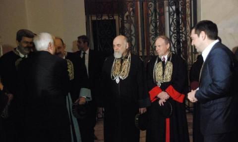 Η αμήχανη στιγμή Τσίπρα- Παυλόπουλου στην εκδήλωση του Πανεπιστημίου Αθηνών! (video)
