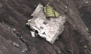 Είχε κλειδωθεί ο ένας πιλότος έξω από το πιλοτήριο - Έριξε κάποιος το Airbus; (video)