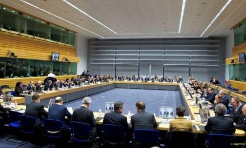 Bloomberg:  Καθοριστική η Δευτέρα για την Ελλάδα