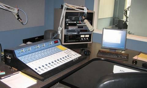 Πάτρα: Κατάληψη ραδιοφωνικού σταθμού από αντιεξουσιαστές