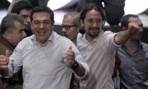 Ο Αλέξης Τσίπρας προλογίζει βιβλίο του ηγέτη του Podemos