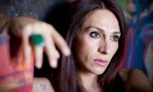 Η Μίνα Ορφανού σοκάρει: «Έπιασα τον έναν και του χτύπησα το κεφάλι στην άσφαλτο»
