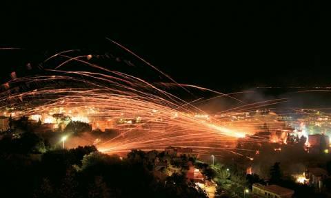 Πάσχα στη Χίο σημαίνει ρουκετοπόλεμος (video+photos)