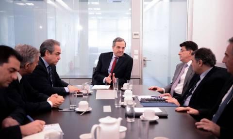 ΦΠΑ και ρευστότητα στη συνάντηση Σαμαρά με παραγωγικούς φορείς