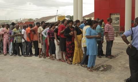 Νιγηρία: Αποκεφαλισμοί και πυρπολήσεις πριν από τις εκλογές