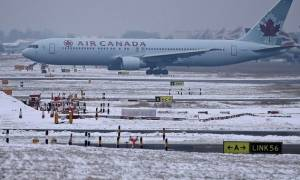 Airbus βγήκε εκτός αεροδιαδρόμου και προσέκρουσε σε πυλώνα-22 τραυματίες