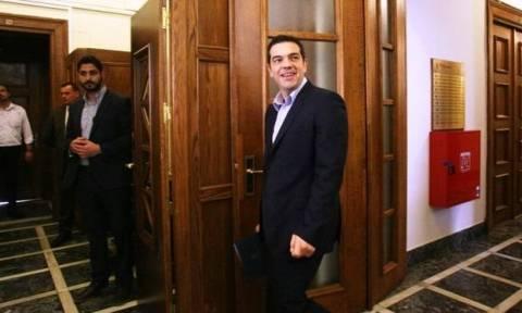Ο Τσίπρας παρουσίασε τη λίστα των μεταρρυθμίσεων - Δεν υπάρχουν υφεσιακά μέτρα