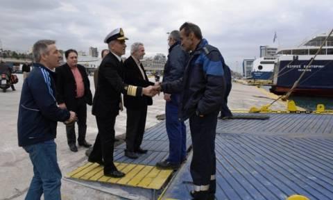 Επίσκεψη Δρίτσα στο πλοίο «Βιτσέντζος Κορνάρος»