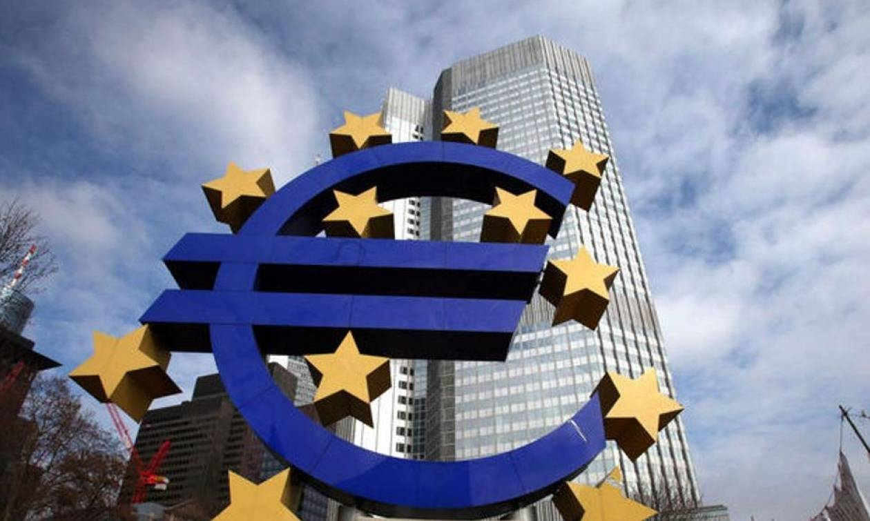 DW: Το πιστόλι της ΕΚΤ στον κρόταφο της Αθήνας