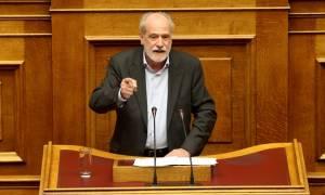 Κουτσούκος: «Τηλεοπτικό σόου» η ενημέρωση του Τσίπρα στη Βουλή