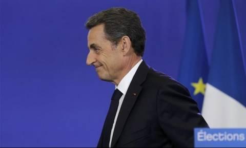 Γαλλία: Νίκη της Δεξιάς στις τοπικές εκλογές πριν από τις προεδρικές του 2017