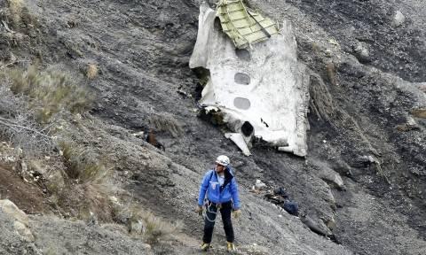 Συντριβή Airbus: «Όλο το βουνό μυρίζει κηροζίνη»