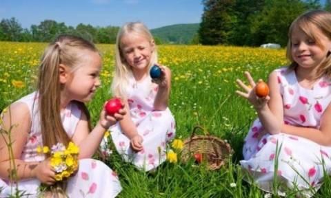 Δείτε τι πρέπει να κάνετε ως γονείς αν φύγετε το Πάσχα για το χωριό!