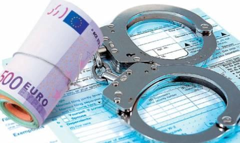 Κρήτη: Χειροπέδες σε δύο για χρέη στο Δημόσιο