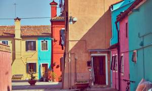 Mια βόλτα στο πολύχρωμο Burano (photos)
