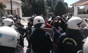 Το βίντεο της εισβολής αντιεξουσιαστών στη Βουλή